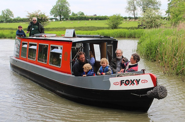 Free boat trips at Crick Boat Show